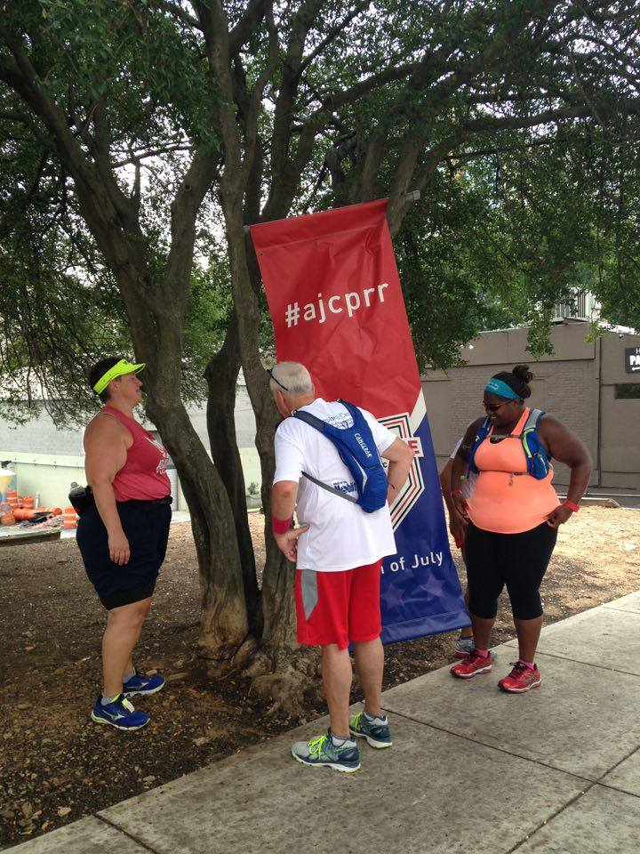 Peachtree Photo shoot – How Many Runners does it Take to Hang a Sign 2016